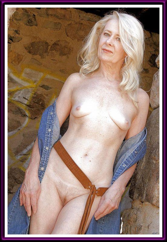suedoise sexy vieille dame nue