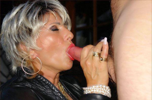 levre de suceuse vieille francaise qui baise