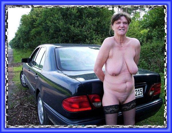 Vieille femme nue pic