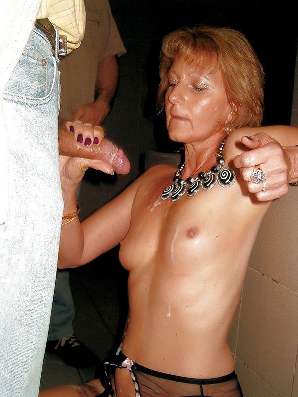 Horny mature femme dodue