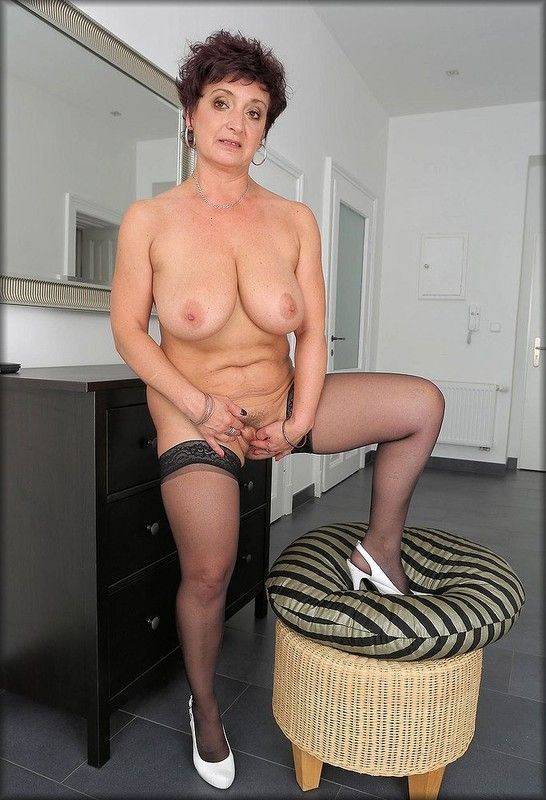 Mamie suce toujours aussi bien - reference-sexecom