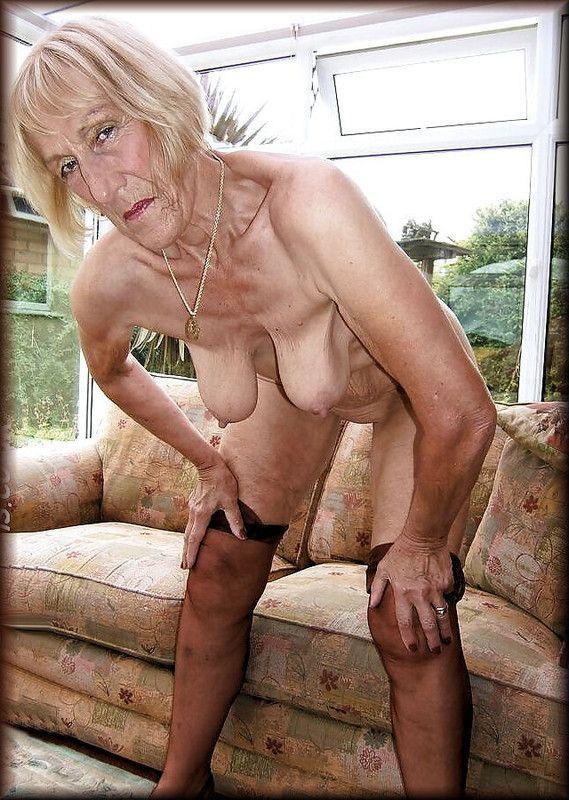vieille dame nue ma femme s habille en pute