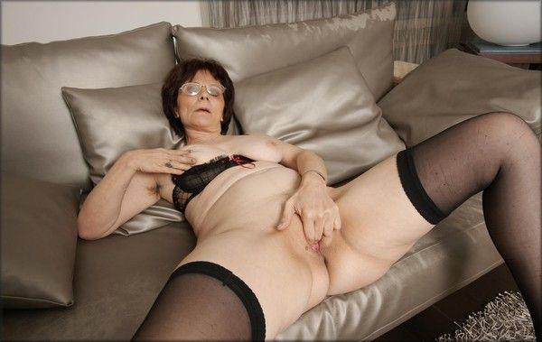 Photos Grand-mère salope et nue - photos-de-femmes