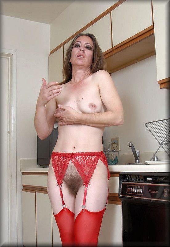 Photos sexy de femmes mures nues chatte poilue