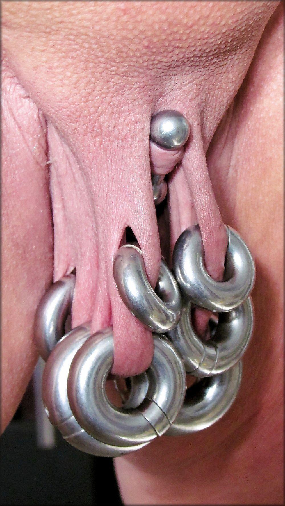 очередь, все супер экстремальный пирсинг женских гениталий дальше можно
