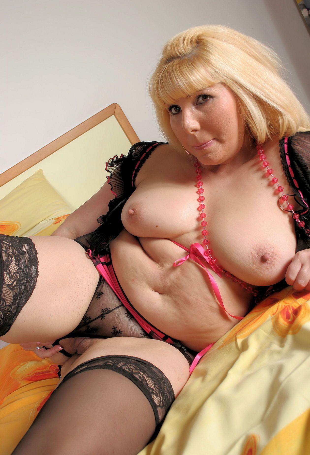femmes rondes grosses fesses gros nichons