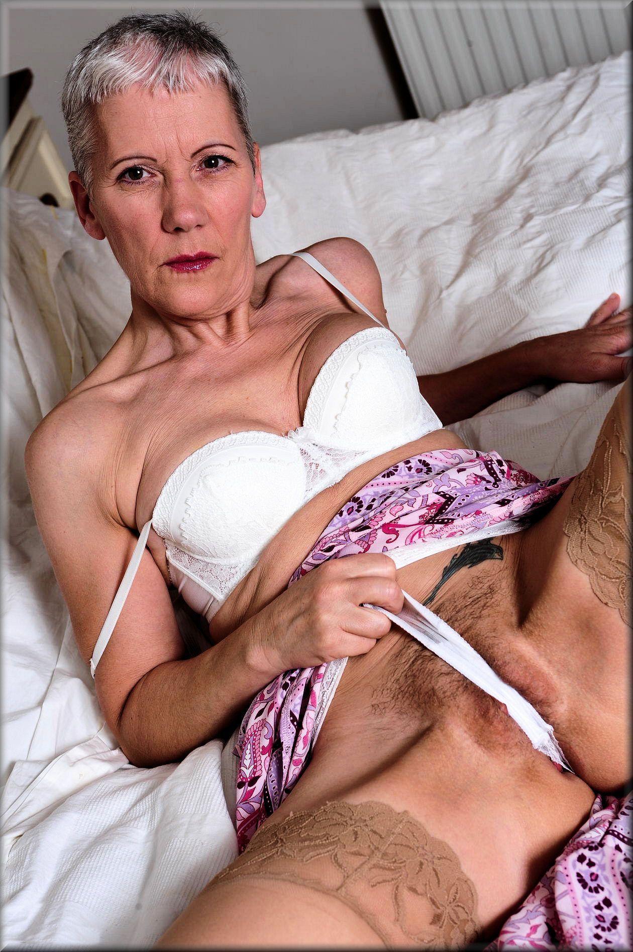 Photo vieille femme mature nu